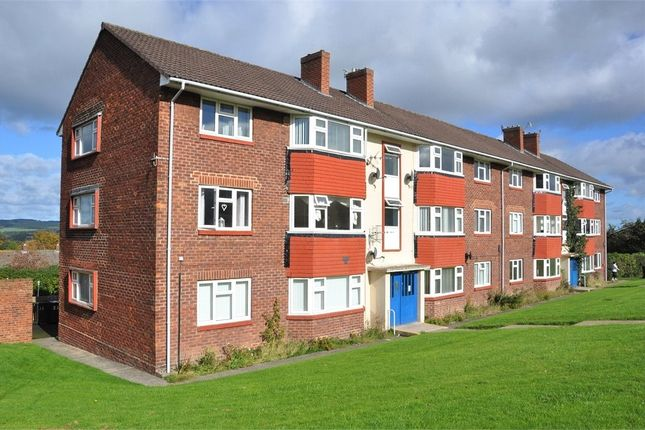 2 bed flat to rent in St Pauls Road, Hexham, Northumberland NE46