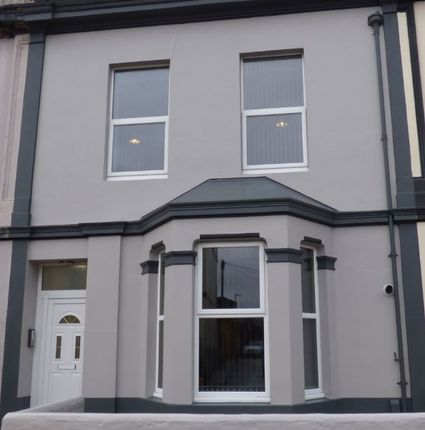 Thumbnail Flat to rent in Alma Street, Plymouth