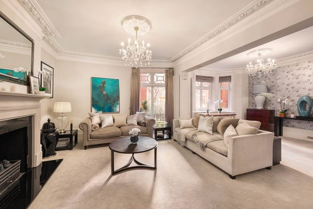 3 bed flat for sale in Abingdon Villas, Kensington