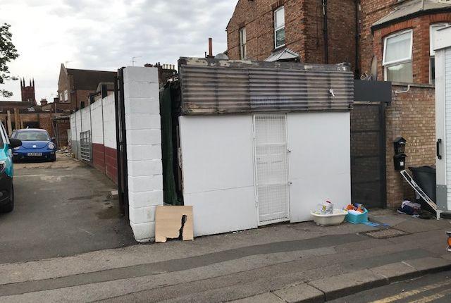 Retail premises to let in Gordon Road, Harrow