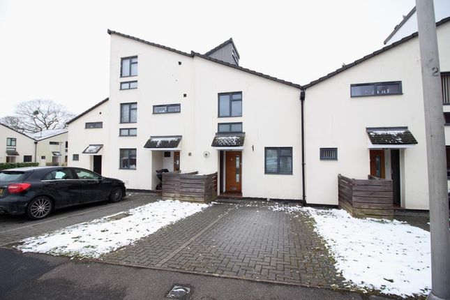 Thumbnail Terraced house to rent in Field View, Caversham, Reading