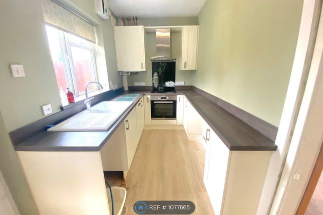 Thumbnail Semi-detached house to rent in Millfield Road, Thorne, Doncaster