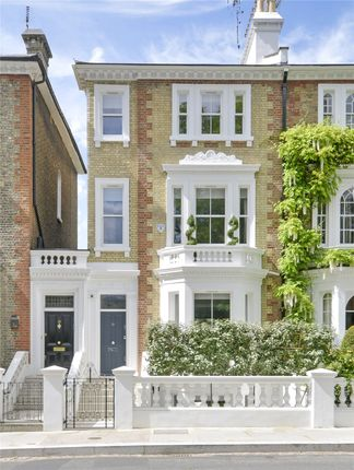 Thumbnail Property for sale in Carlyle Square, Chelsea, London