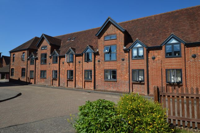 Thumbnail Flat to rent in The Maltings, Petersfield