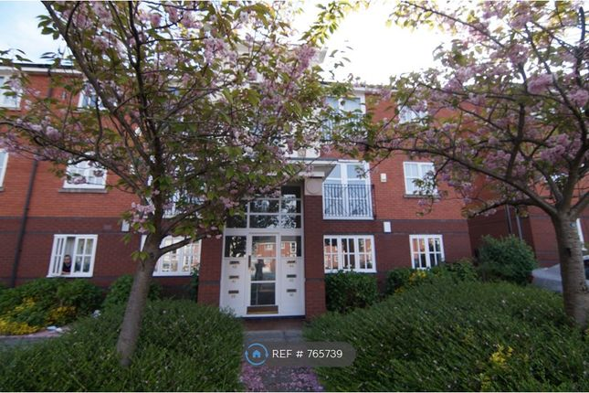 Flat to rent in St. Andrew Street, Liverpool