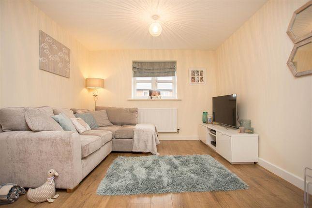2 bed maisonette for sale in Gyles Close, Winslow, Buckingham