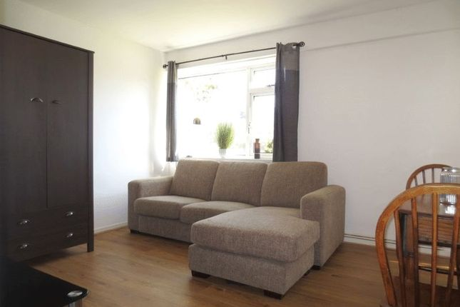 Thumbnail Flat to rent in Selsfield Drive, Brighton