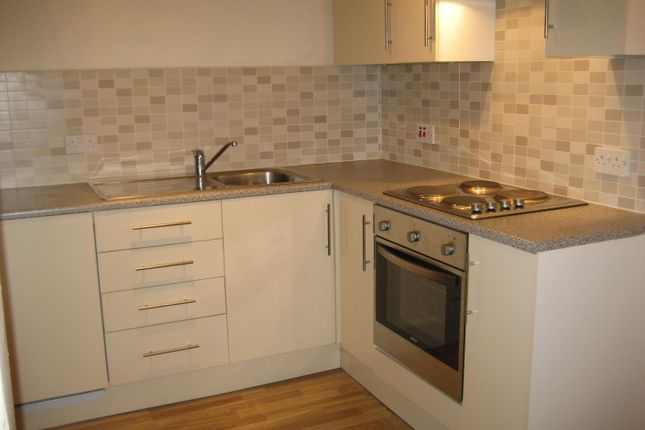1 bed flat to rent in Savile Terrace, Halifax
