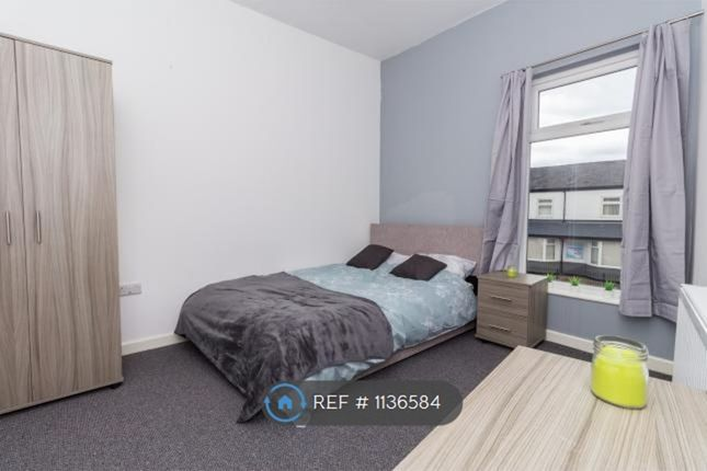 Thumbnail Room to rent in Leigh Rd, Leigh