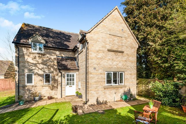 Thumbnail Detached house for sale in Monks Close, Carterton