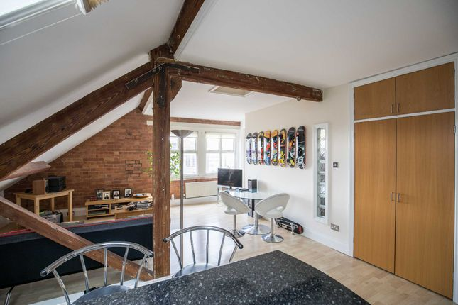 Thumbnail Flat for sale in 1A Hollowstone, Nottingham