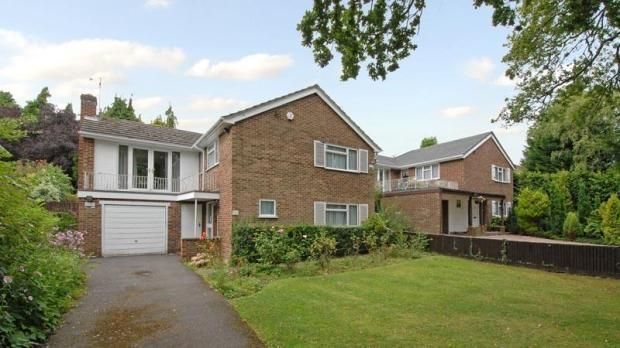 Thumbnail Detached house to rent in Western Avenue, Woodley, Reading