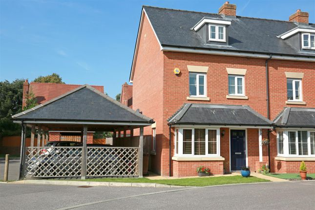 Thumbnail Town house for sale in Bradley Drive, Hellingly, Hailsham
