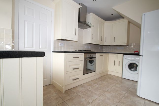 Thumbnail Semi-detached house to rent in Stirling Drive, Chelsfield, Orpington