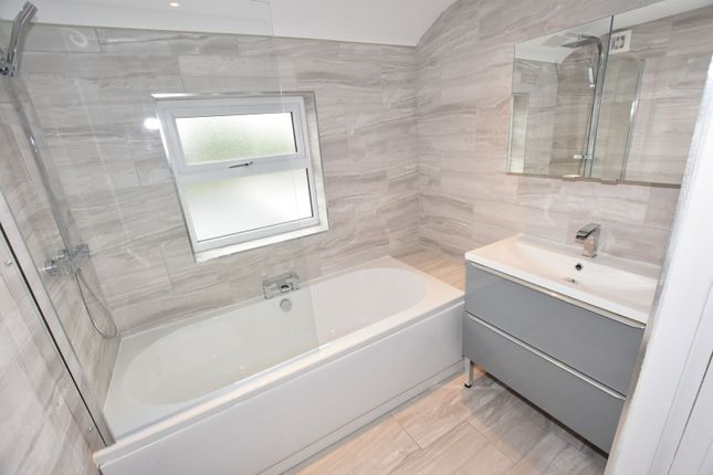 Bathroom of Becketts Lane, Great Boughton, Chester CH3