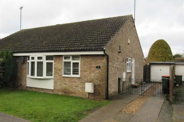 2 bed semi-detached bungalow to rent in Waterend Lane, Chalton, Luton