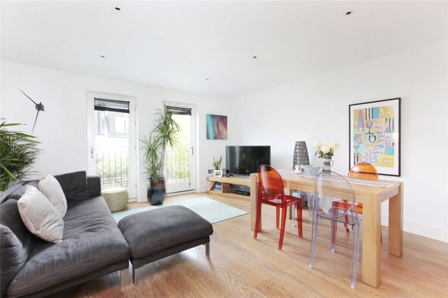 Thumbnail Mews house for sale in Denning Mews, Temperley Road, Nightingale Triangle, London