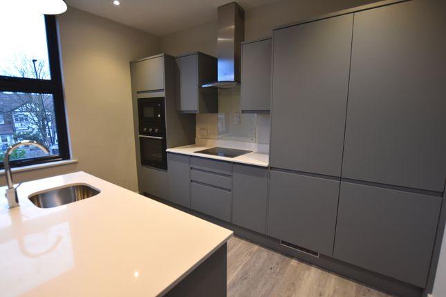 1 bed flat to rent in Brett Villas, Park Royal Road, London W3