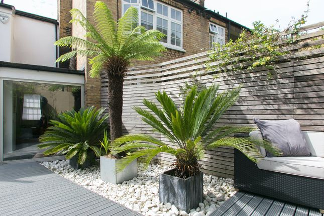 Thumbnail Town house to rent in Whittlesey Street, London
