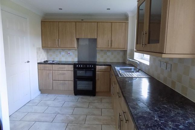 Thumbnail Property to rent in Langdale Close, Eastbourne
