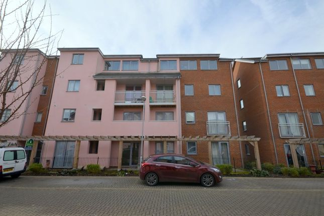 Thumbnail Flat for sale in Drummond Grove, Willesborough, Ashford