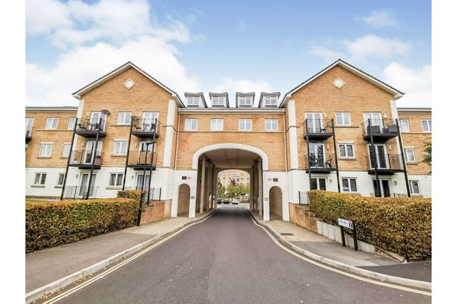 2 bed flat for sale in The Dell, Southampton SO15