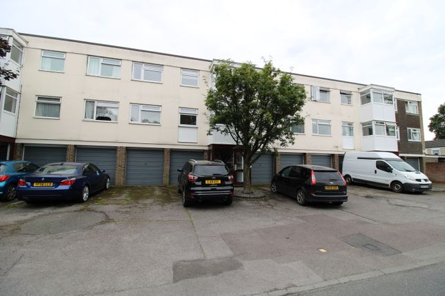 Thumbnail Flat to rent in Canterbury Way, Brentwood