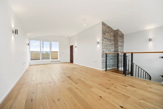 Thumbnail Flat to rent in Heathfield Road, London