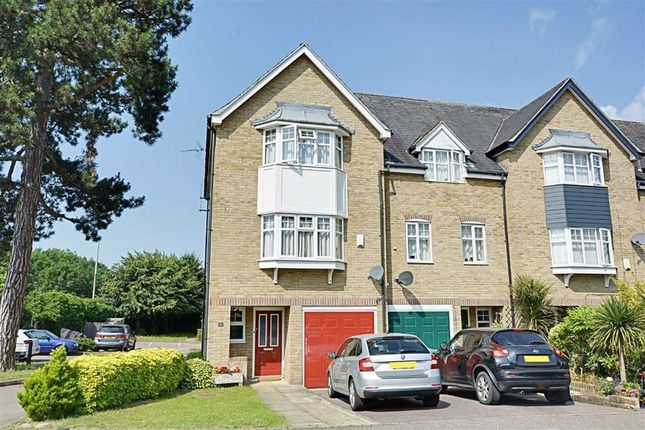 3 bed town house for sale in Lilbourne Drive, Hertford SG13