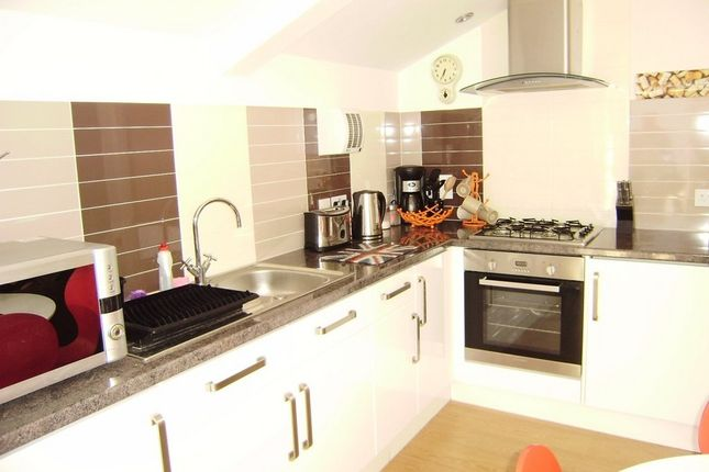 Thumbnail Flat to rent in Park Street, Weymouth