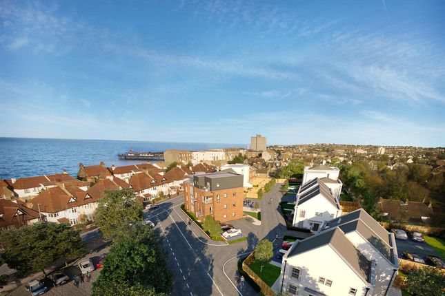 2 bedroom flat for sale in Clarence Road, Herne Bay, Kent