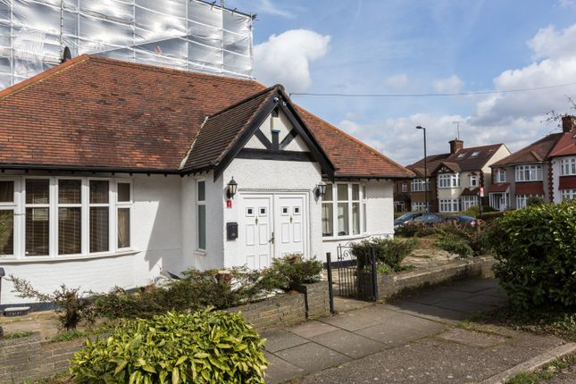 Thumbnail Bungalow for sale in Ryhope Road, London