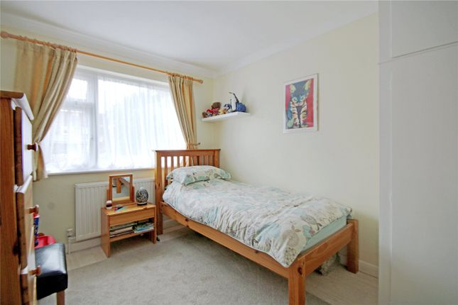 Picture No. 21 of Hillside Gardens, Addlestone, Surrey KT15