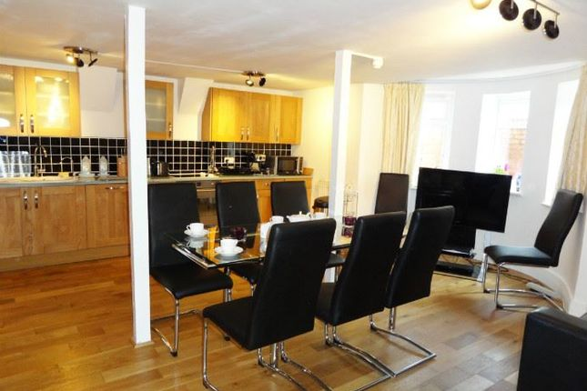 Thumbnail Flat to rent in Somerhill Road, Hove