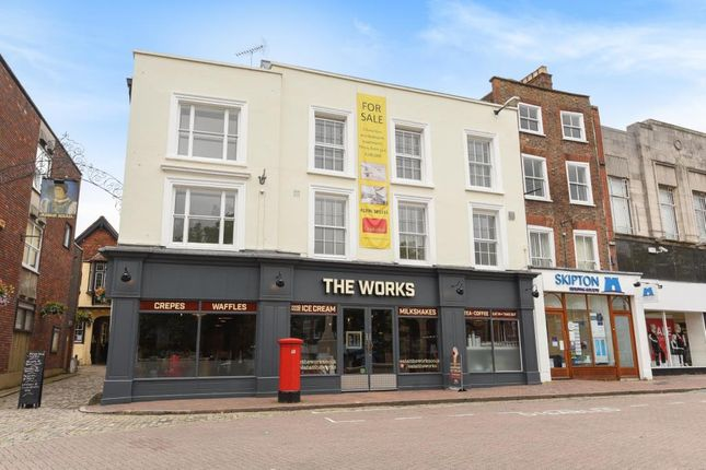 1 bed flat to rent in Market Square, Aylesbury HP20