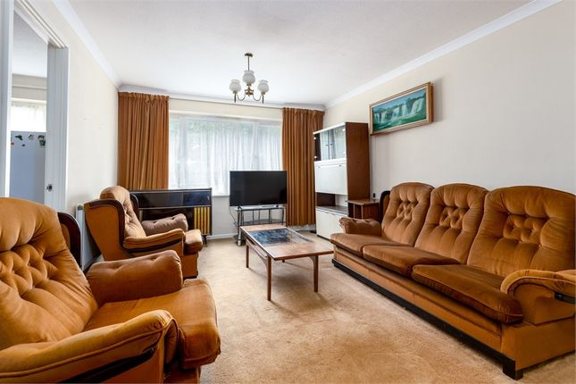 1 bed flat for sale in Buckingham Avenue, Perivale, Greenford, Greater London UB6