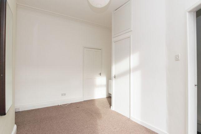 Flat 3 Bedroom B of Oakwood Avenue, Leeds LS8