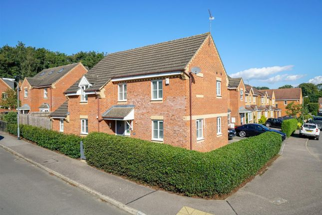 Thumbnail Property for sale in Wynches Farm Drive, St.Albans
