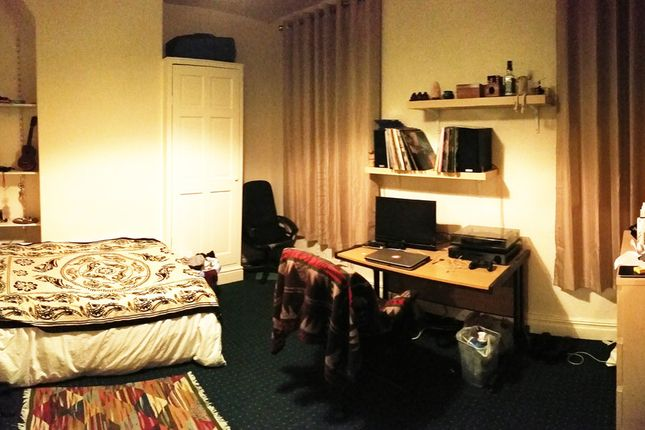 Thumbnail Flat to rent in Rusholme Place, Manchester