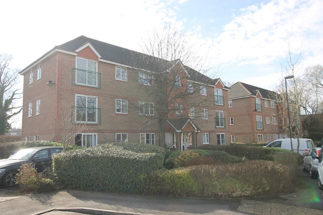 Thumbnail Flat for sale in Fenchurch Road, Maidenbower, Crawley, West Sussex.