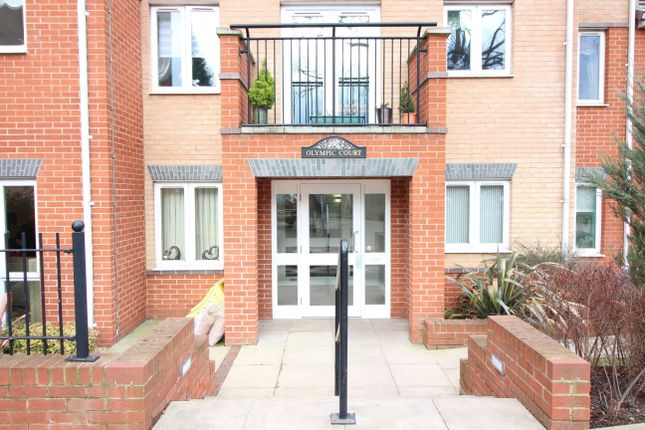 Thumbnail Flat for sale in Olympic Court, Luton