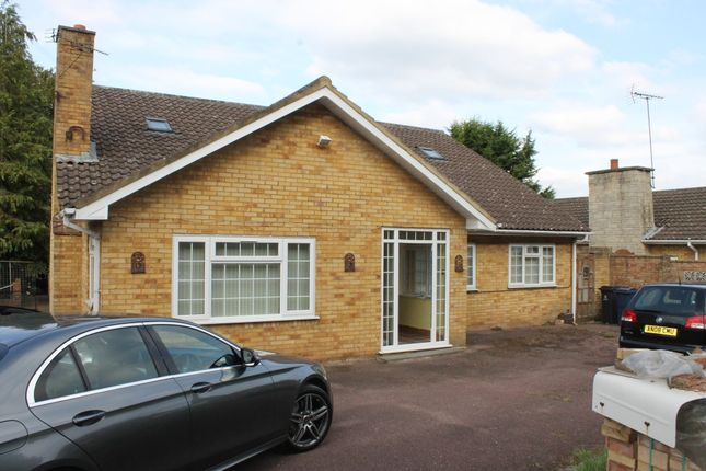 Thumbnail Bungalow to rent in Studley Green, Stokenchurch, High Wycombe