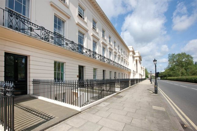 Picture No. 01 of Cornwall Terrace, London NW1