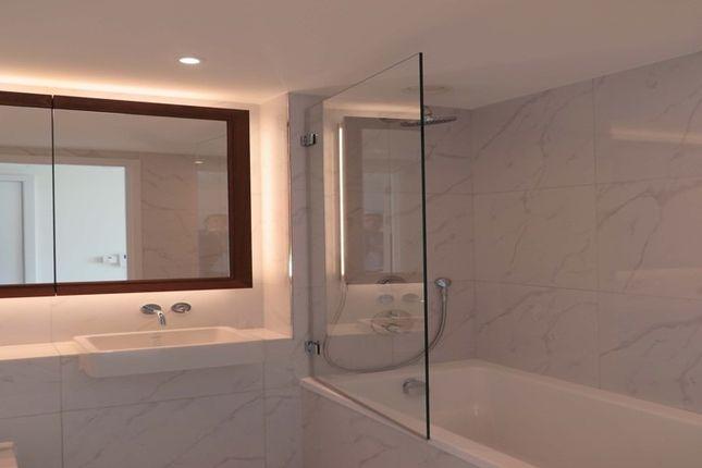 Bathroom of Wandsworth Road, London SW8
