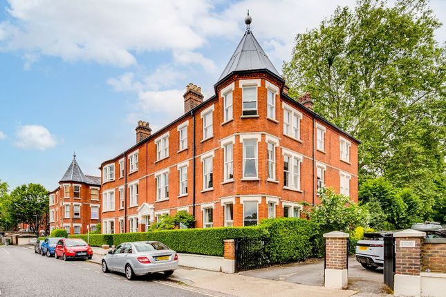 4 bed flat for sale in Clevedon Road, Twickenham TW1