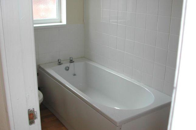 Bathroom of Clarence Avenue, Delhi Street, Hull HU9