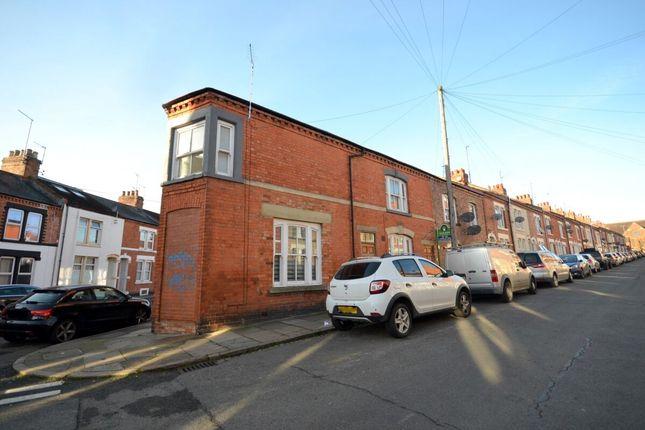 2 bed flat to rent in Artizan Road, Abington, Northampton NN1