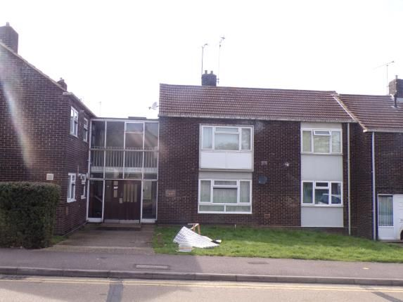 Thumbnail Property for sale in Kingswood, Basildon, Essex