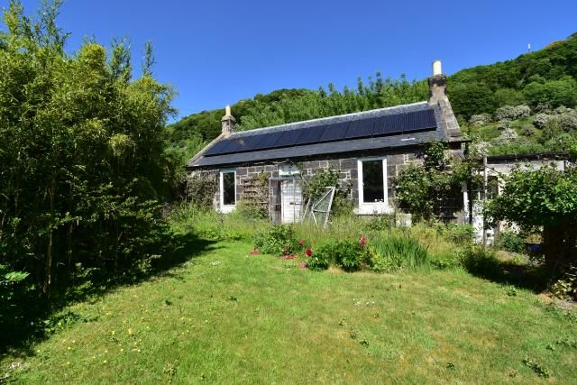 Thumbnail Cottage for sale in 2 Meadowfield Cottage, Cowdenbeath Road