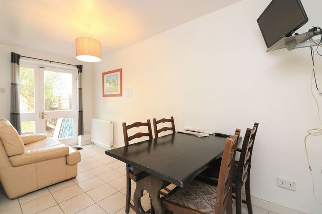 Thumbnail Flat to rent in Barnsdale Avenue, Isle Of Dogs